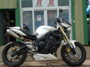 Picture of Triumph 675 Street Triple 2010, Service History For Sale