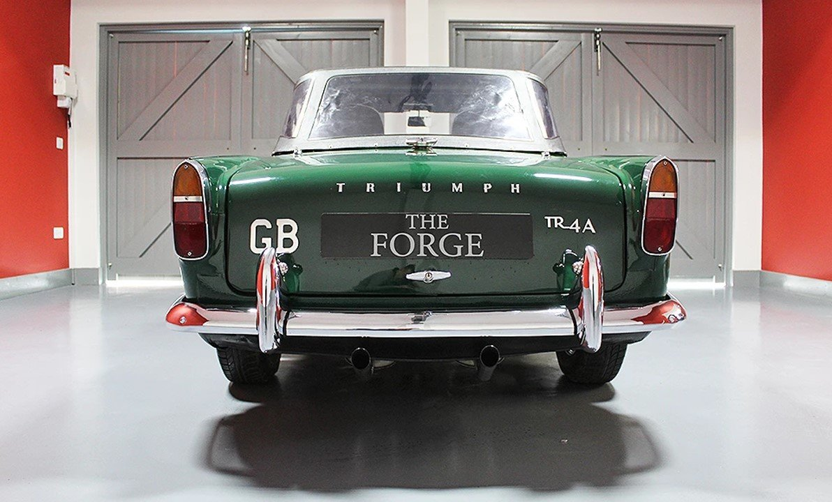 1965 Triumph TR4A British Racing Green For Sale (picture 3 of 6)