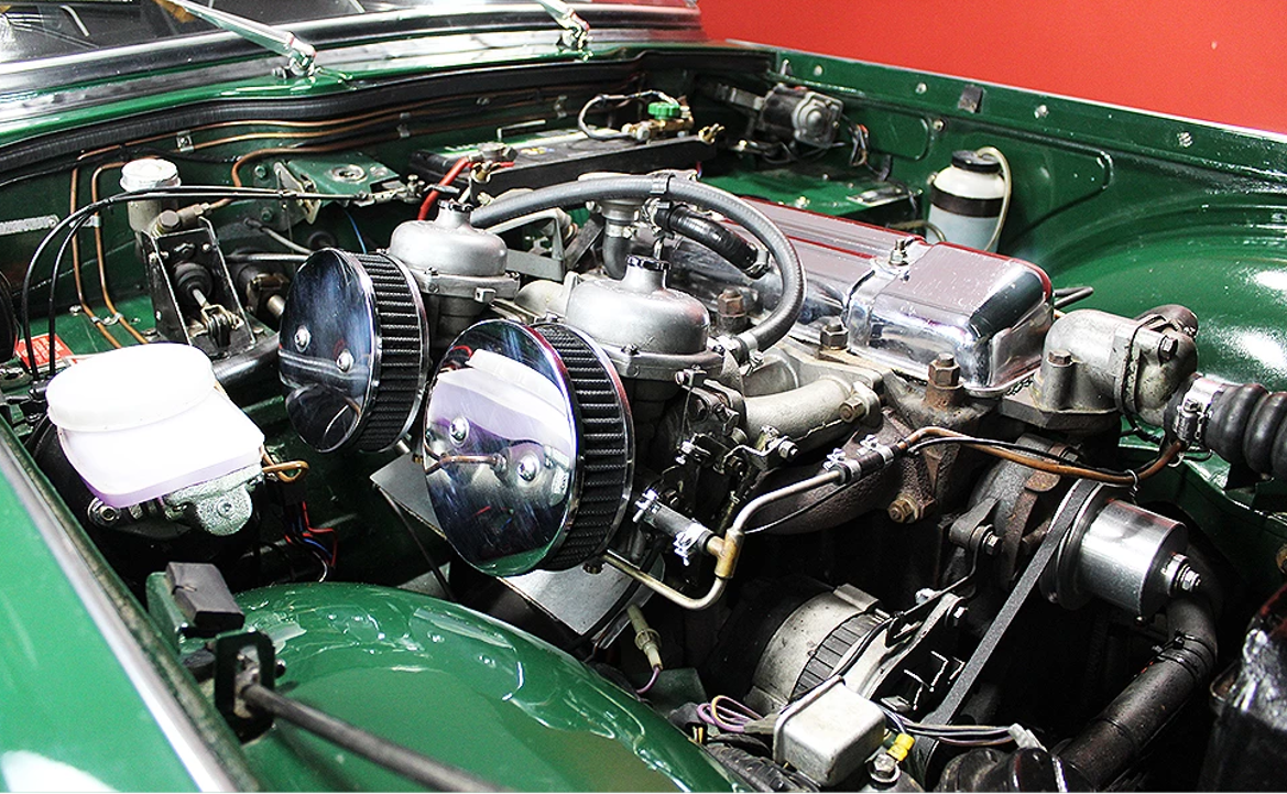 1965 Triumph TR4A British Racing Green For Sale (picture 4 of 6)