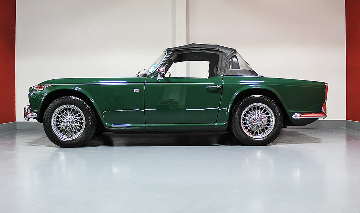1965 Triumph TR4A British Racing Green For Sale (picture 5 of 6)