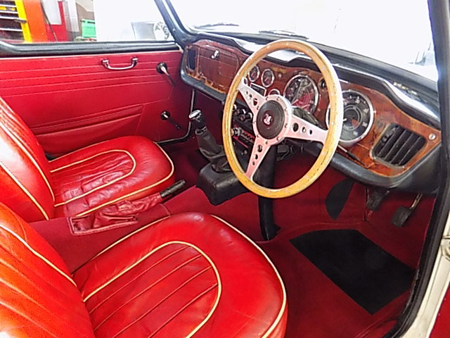 Triumph TR4A Overdrive car 1966  DEPOSIT TAKEN SOLD (picture 4 of 6)