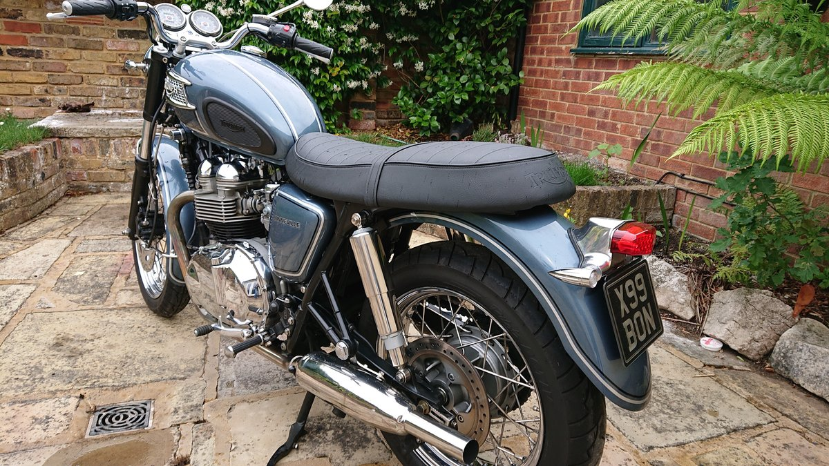 2006 Triumph Custom Hinkley Bonneville with private reg For Sale (picture 3 of 6)