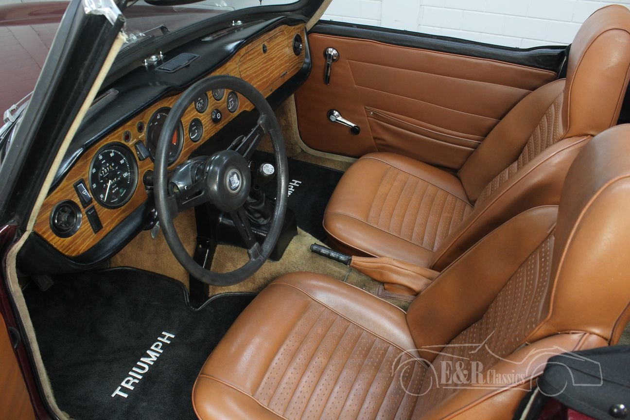 Triumph TR6 Cabriolet 1972 Burgundy red For Sale (picture 3 of 6)