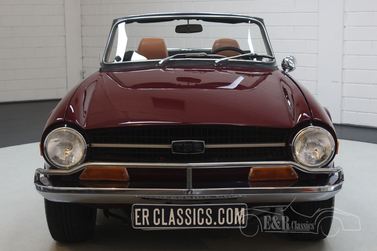 Triumph TR6 Cabriolet 1972 Burgundy red For Sale (picture 4 of 6)
