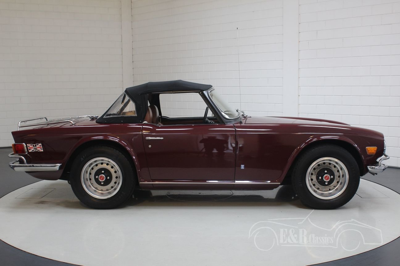Triumph TR6 Cabriolet 1972 Burgundy red For Sale (picture 6 of 6)