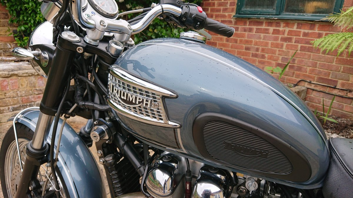 2006 Triumph Custom Hinkley Bonneville with private reg For Sale (picture 4 of 6)