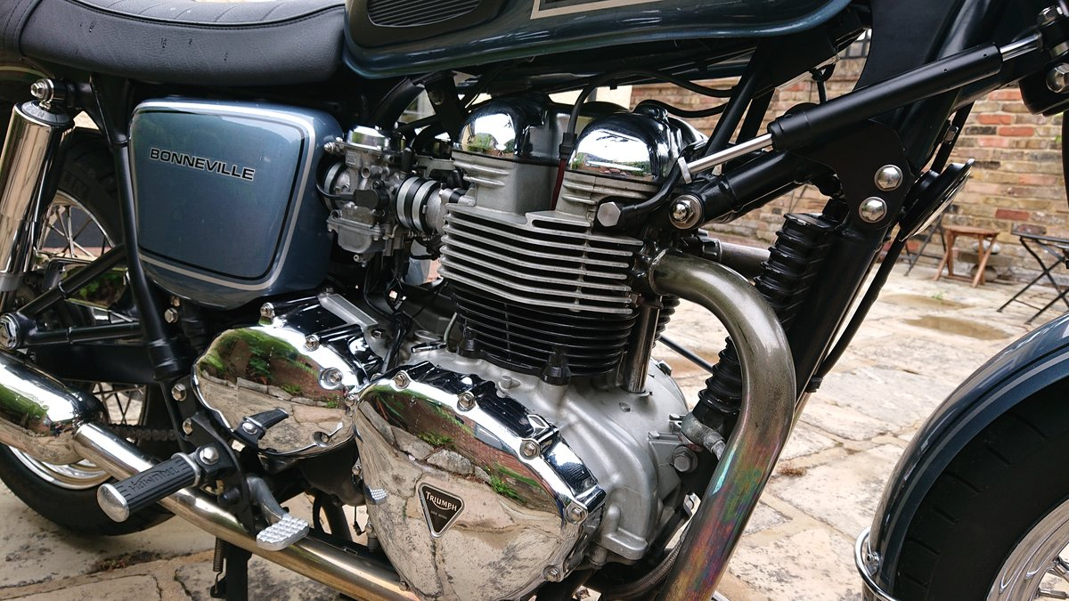 2006 Triumph Custom Hinkley Bonneville with private reg For Sale (picture 5 of 6)