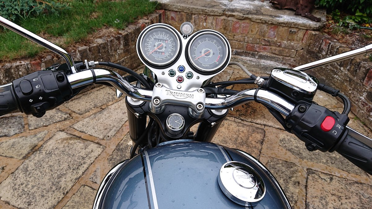 2006 Triumph Custom Hinkley Bonneville with private reg For Sale (picture 6 of 6)