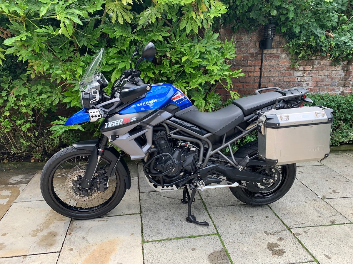 2015 Triumph Tiger 800XCX, FSH, Exceptional Condition SOLD (picture 3 of 6)