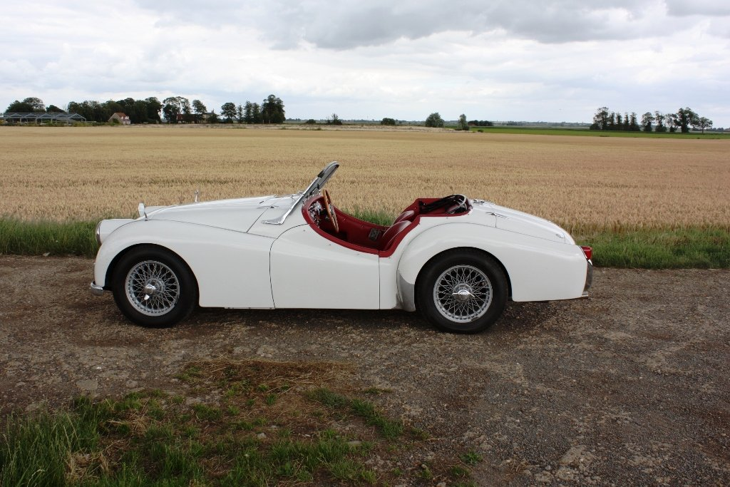 1954 TRIUMPH TR2 LONG DOOR SOLD (picture 2 of 6)