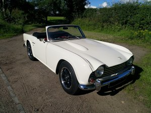 1967  UK Triumph TR5 White/Red Fully Restored