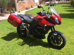 2013 Flame red, FSH, garage kept, panniers & more