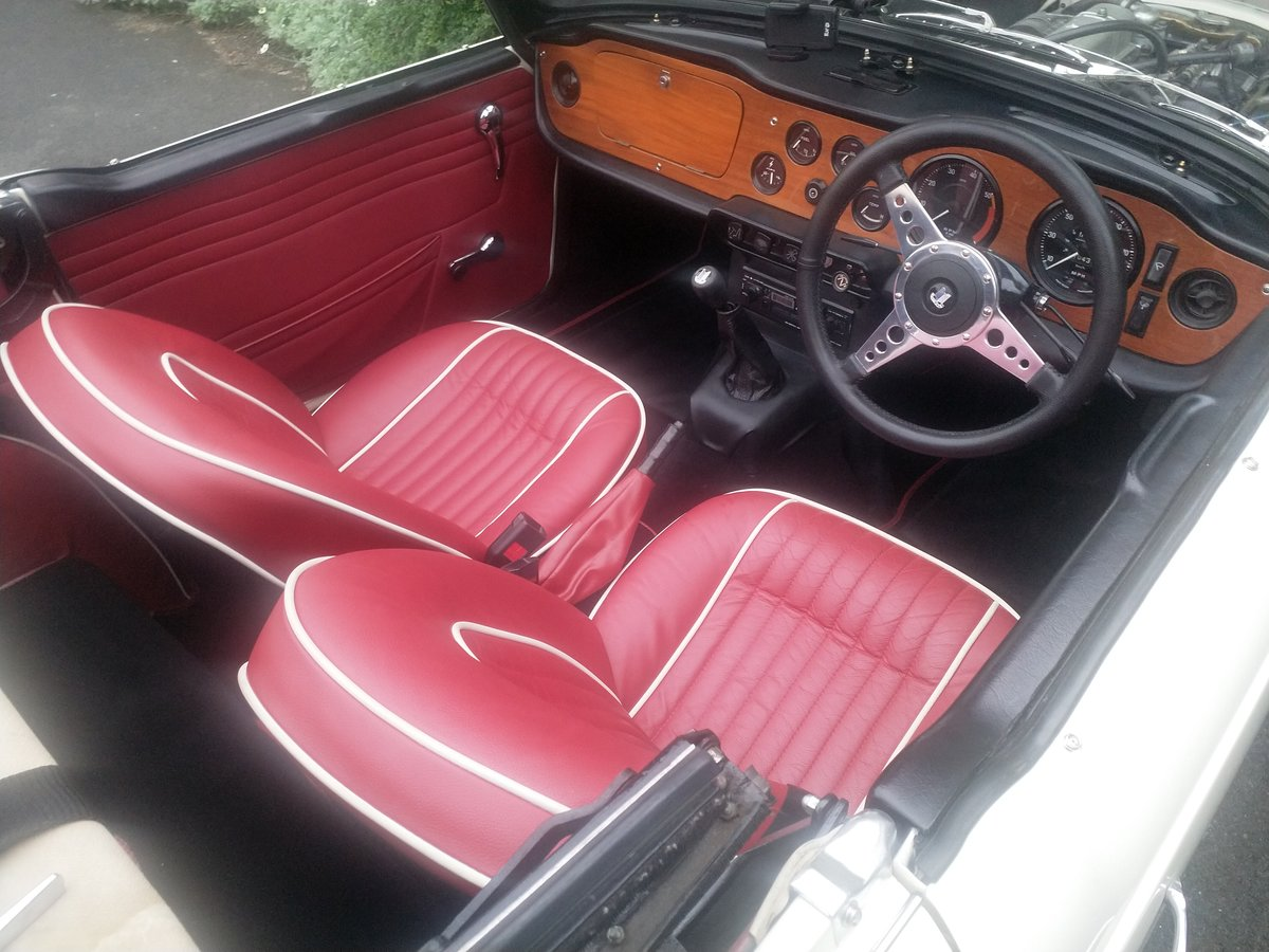 1967  UK Triumph TR5 White/Red Fully Restored For Sale (picture 6 of 6)