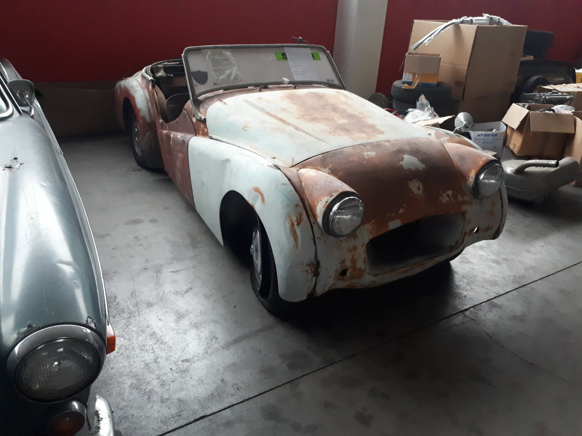1954 TRIUMPH TR2 LONG DOOR TO RESTORE For Sale (picture 1 of 5)
