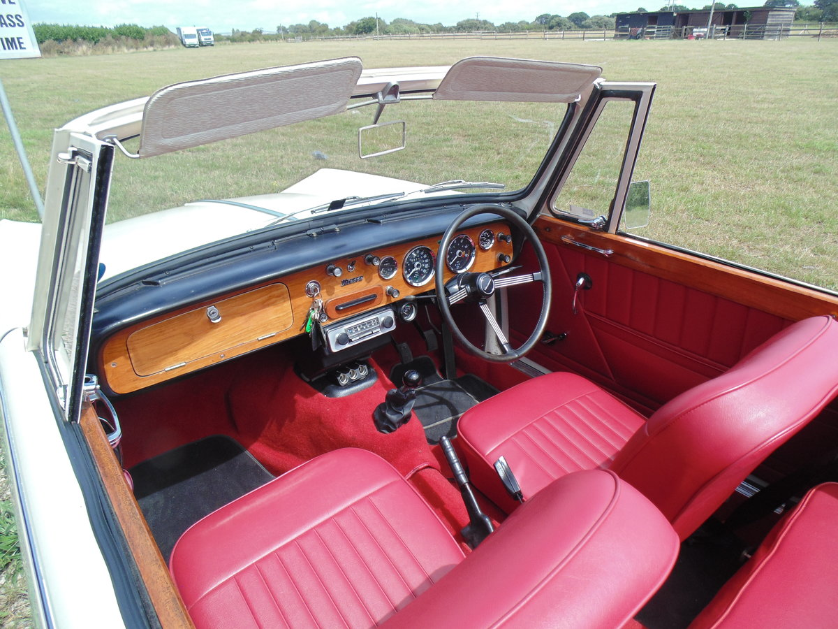 1966 Triumph Vitesse 1600 straight six Convertible  For Sale (picture 2 of 6)
