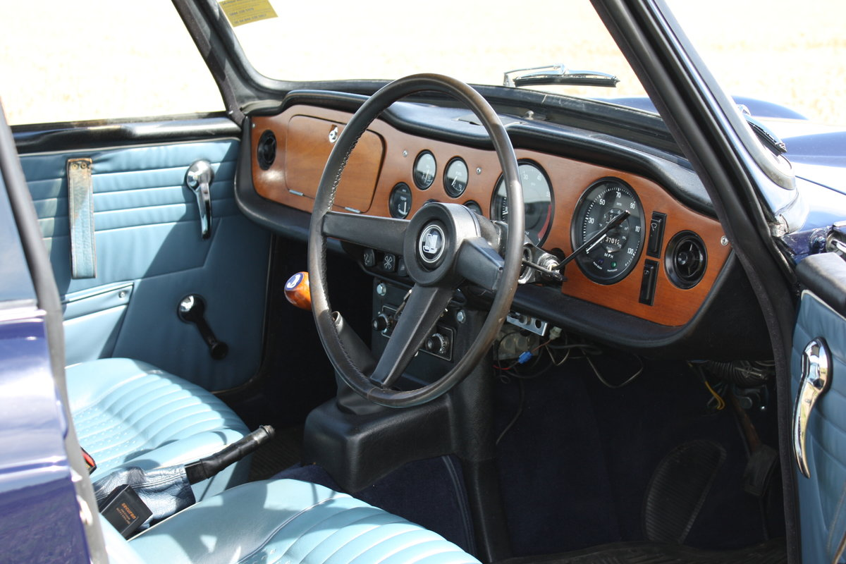 TR5 1968 MATCHING NUMBERS CAR WITH OVERDRIVE SOLD (picture 2 of 6)