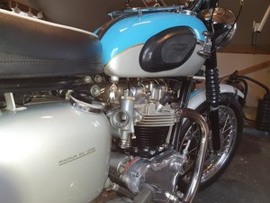 Picture of 1961 Triumph Bonneville T120R Pre-Unit
