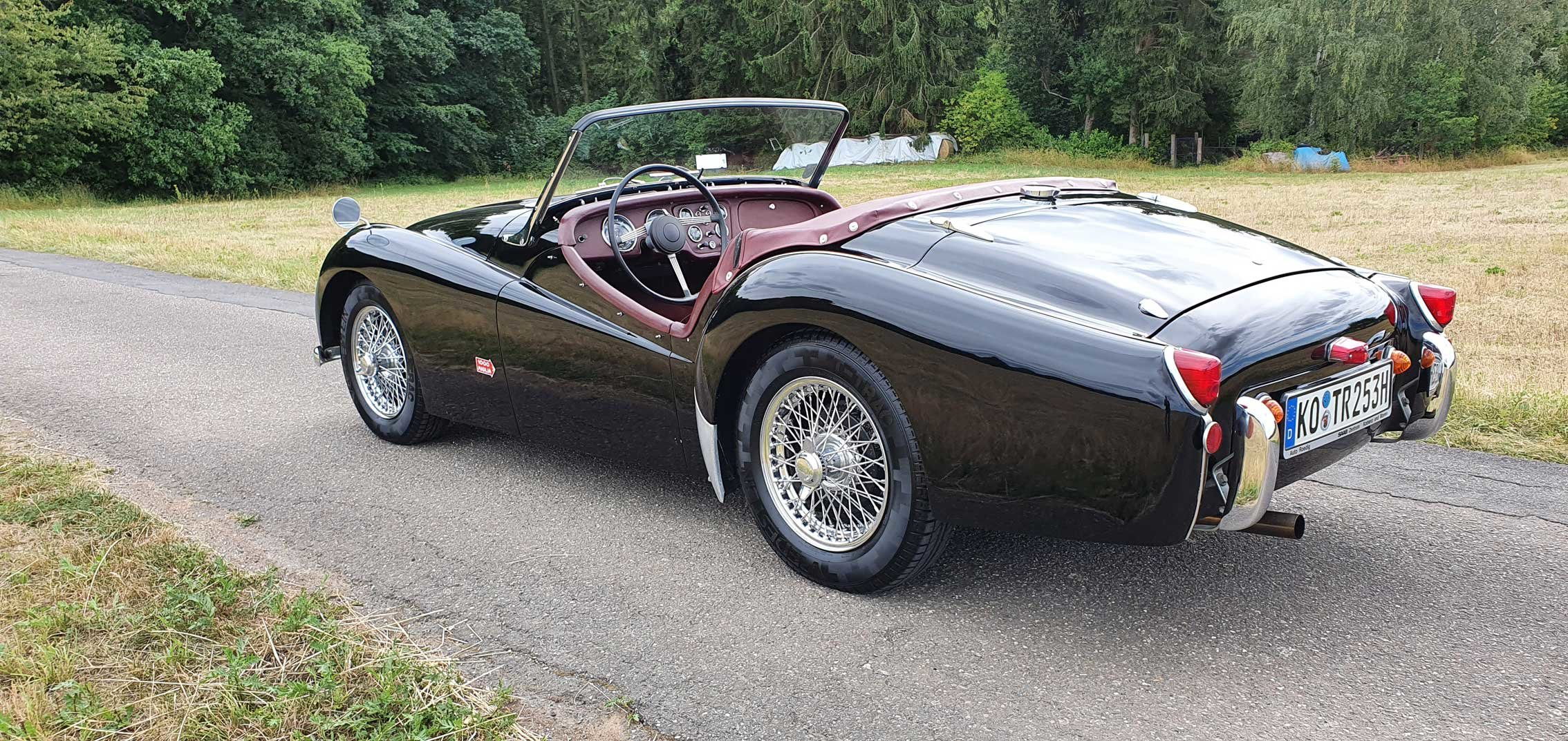 """1953 Triumph TR2 very early """"Longdoor"""" model LHD For Sale (picture 2 of 6)"""