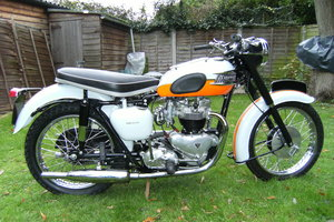 Triumph bonneville tangerine dream