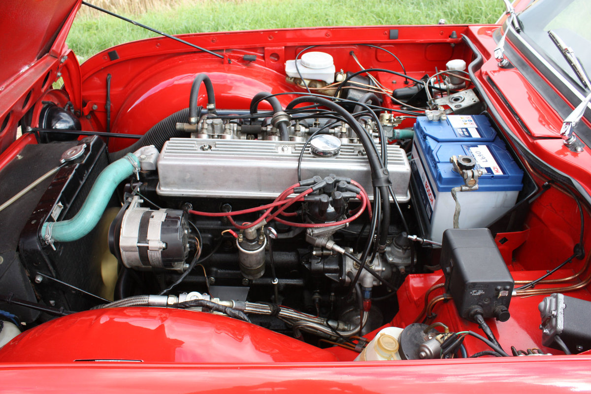 1968 TRIUMPH TR5 BEAUTIFULLY PRESENTED IN SIGNAL RED WITH OV SOLD (picture 4 of 6)