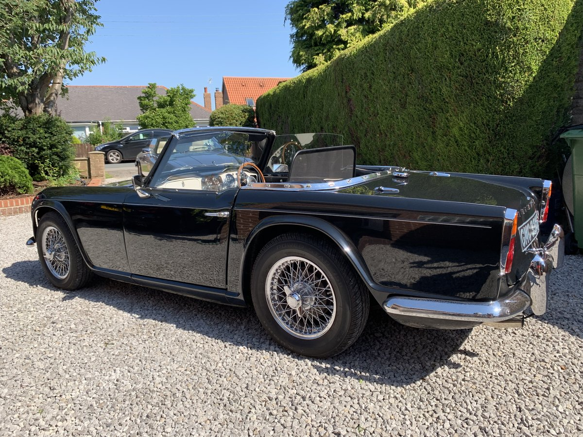 1964 Stunning Triumph TR4 SOLD (picture 2 of 6)