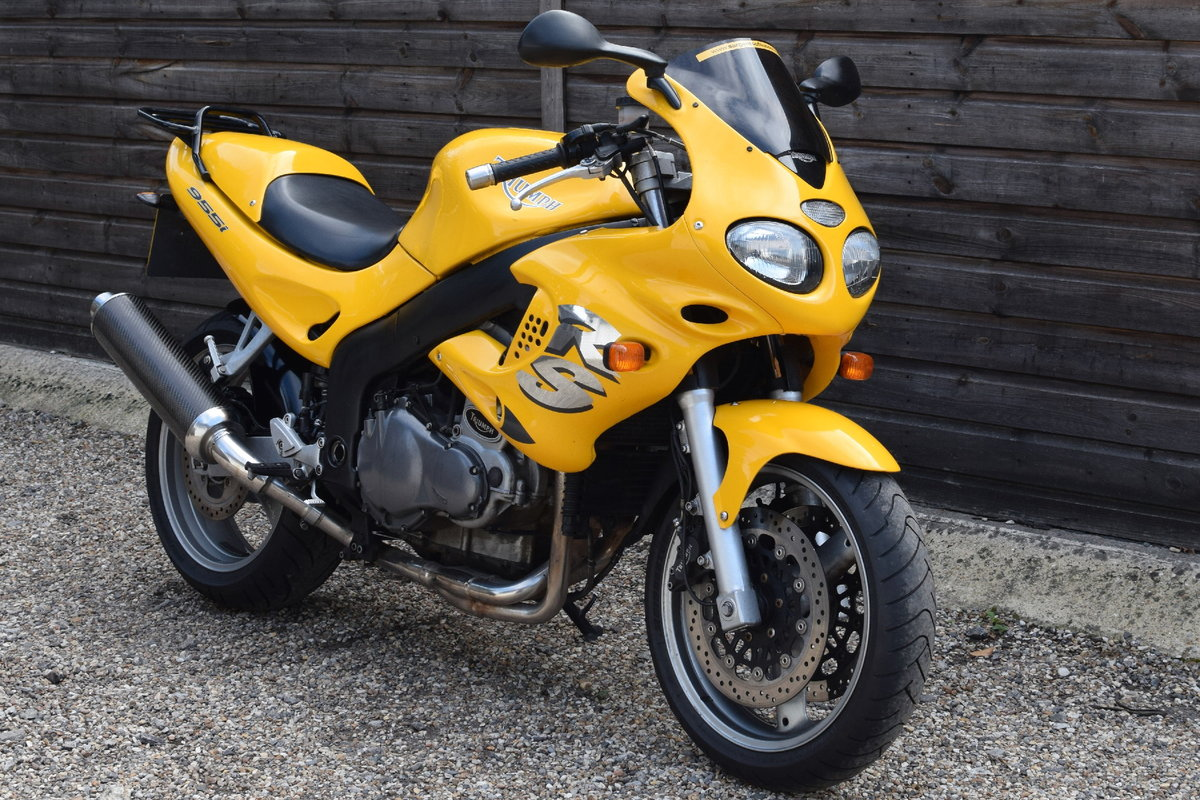 Triumph Sprint RS 955i (20000 miles, MOTd July 2021) 2001 Y  For Sale (picture 1 of 12)