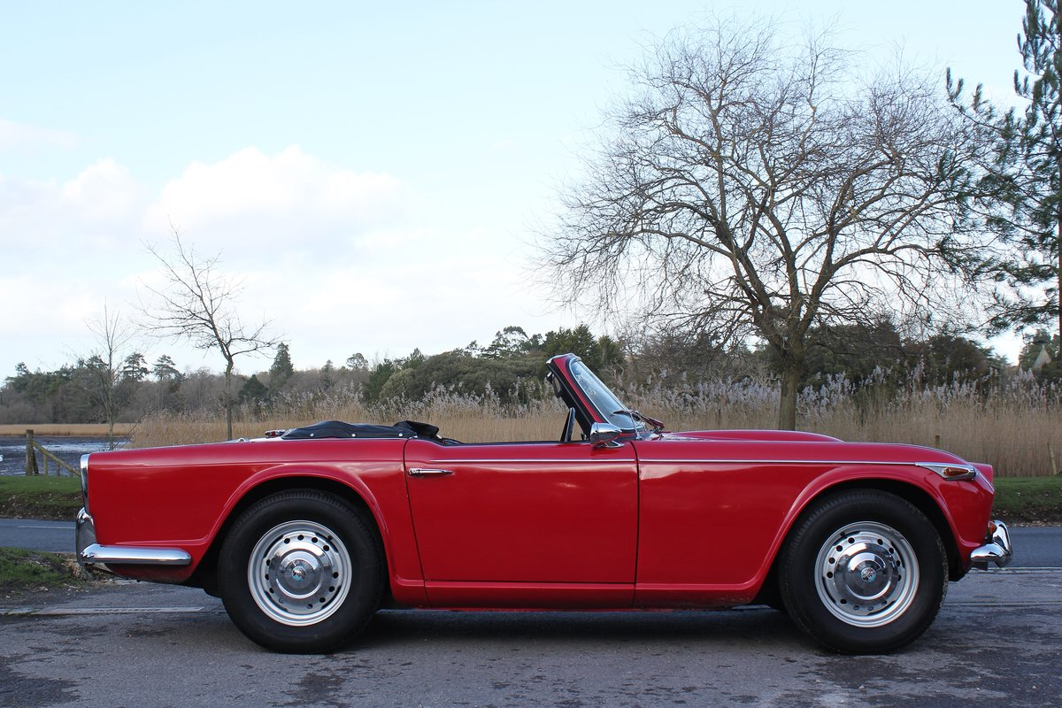 1965 Triumph TR4a IRS £10k recent mechanical work For Sale (picture 3 of 6)