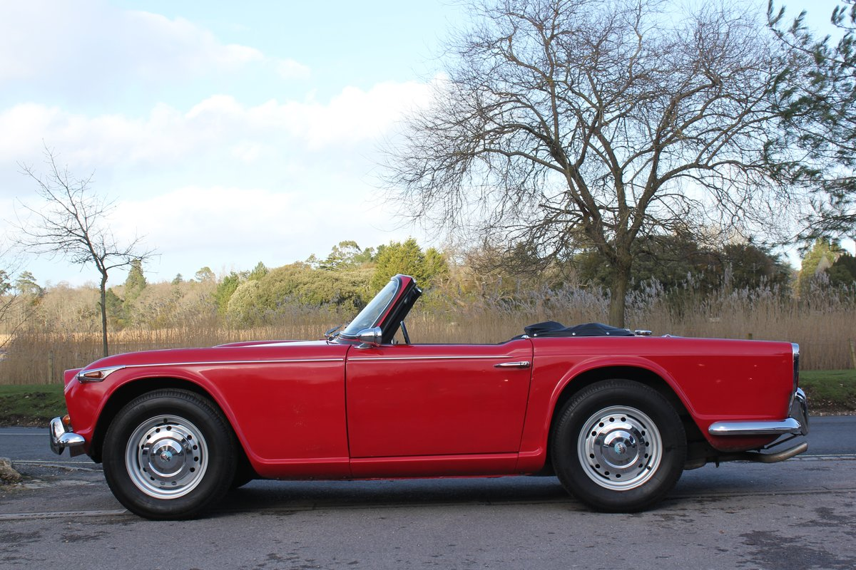 1965 Triumph TR4a IRS £10k recent mechanical work For Sale (picture 4 of 6)
