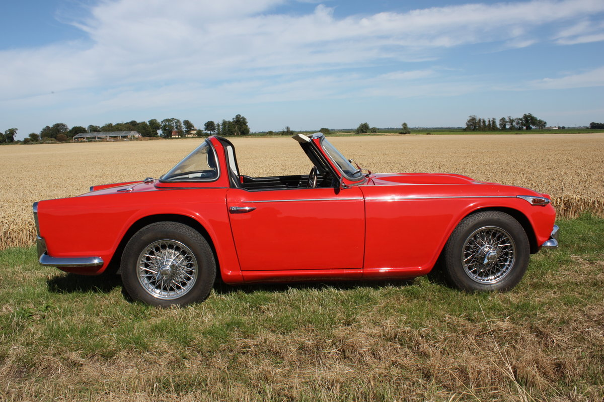 4967 TR4A 1967 SIGNAL RED WITH OVERDRIVE SOLD (picture 2 of 6)