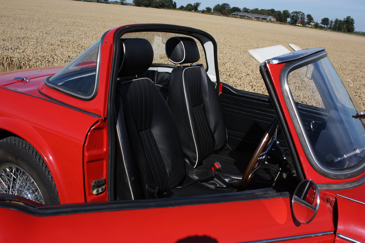 4967 TR4A 1967 SIGNAL RED WITH OVERDRIVE SOLD (picture 4 of 6)