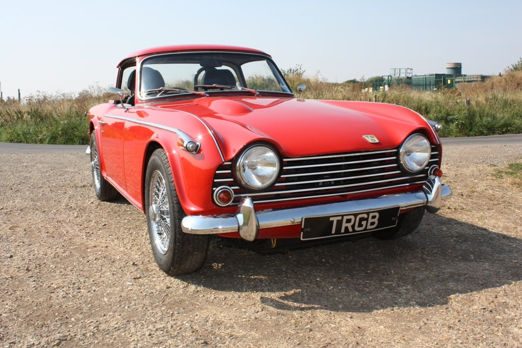 TR5 1968 SIGNAL RED WITH BLACK INTERIOR. SURREY HARD AND SOF For Sale (picture 2 of 6)