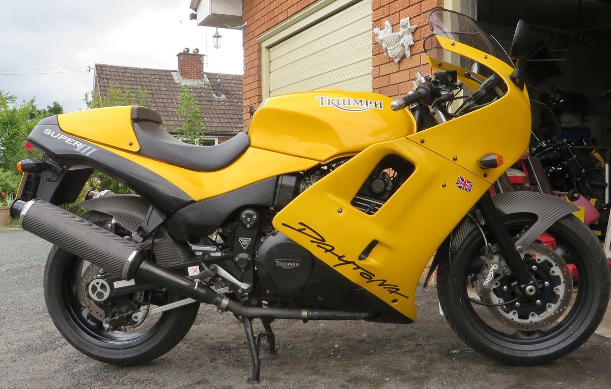 1995 TRIUMPH DAYTONA 900 SUPER 3 COSWORTH.  For Sale (picture 1 of 6)