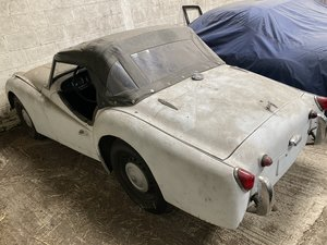 Picture of 1962 Triumph TR3A good body needing some work or more