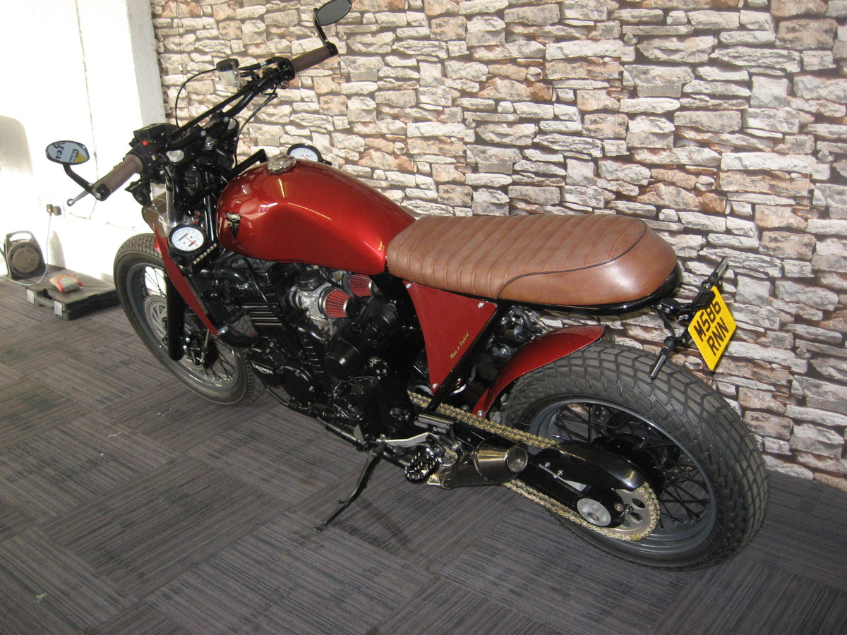 1994 M-reg Triumph 900 Special finished in red metallic For Sale (picture 3 of 6)