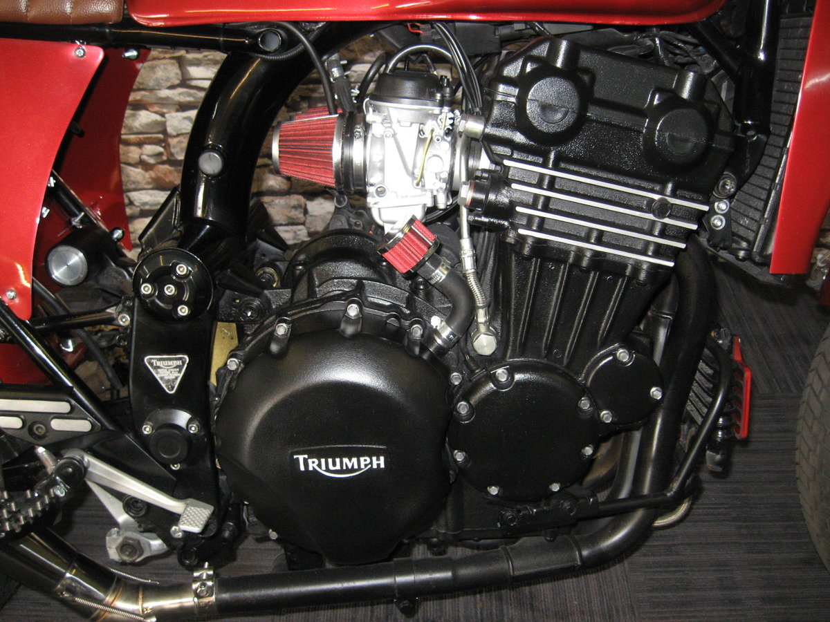 1994 M-reg Triumph 900 Special finished in red metallic For Sale (picture 5 of 6)