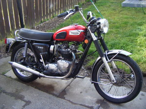 Triumph bonneville t140v 5 speed