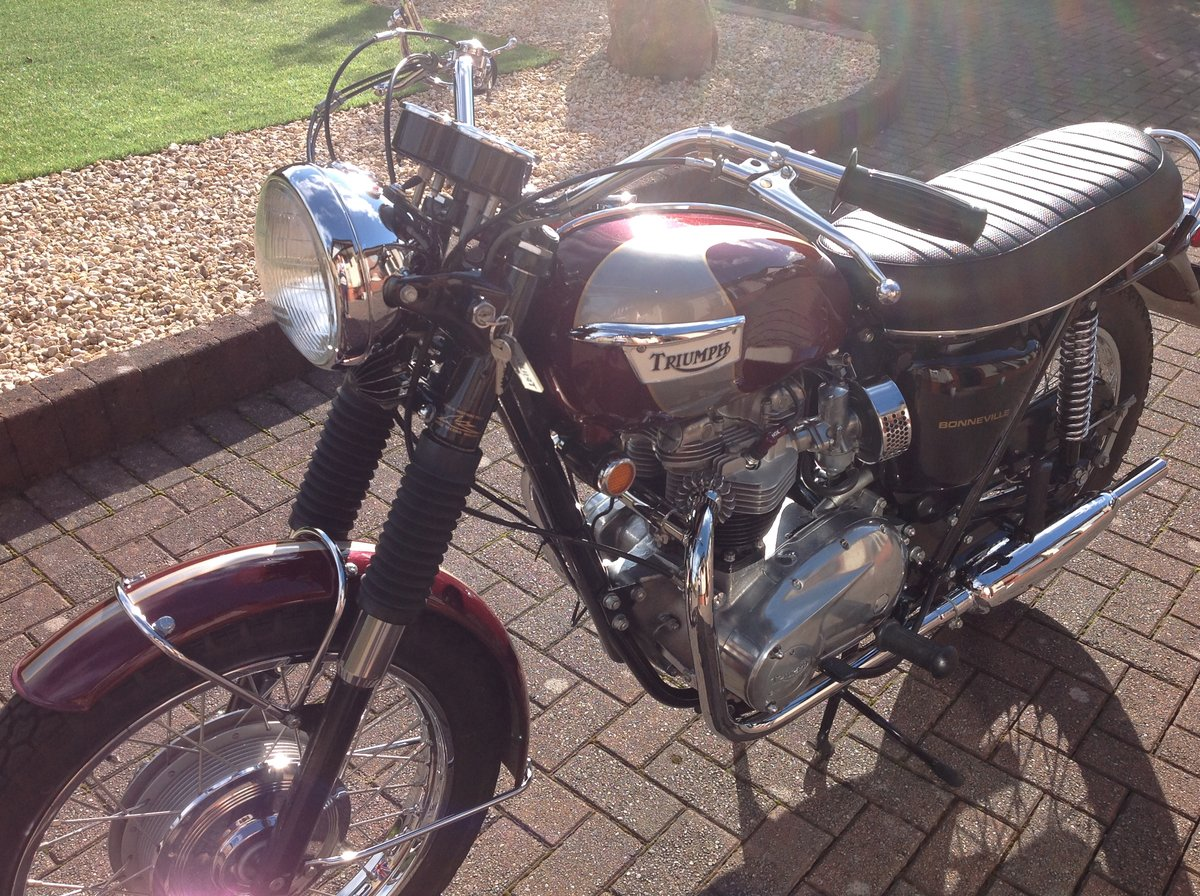 1970 Triumph bonneville T120R stunning example For Sale (picture 1 of 6)