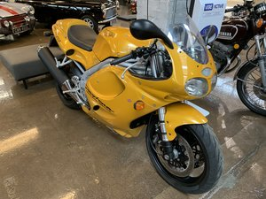 TRIUMPH DAYTONA 595 - low mileage