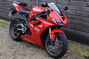 Picture of Triumph Daytona 675 (6000 miles, Arrow + Quickshifter) 2011 SOLD