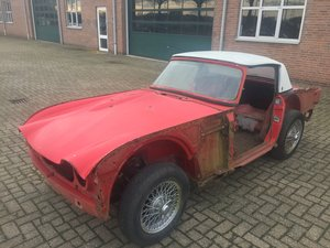 Picture of 1965 Triumph TR4A IRS for restoration For Sale