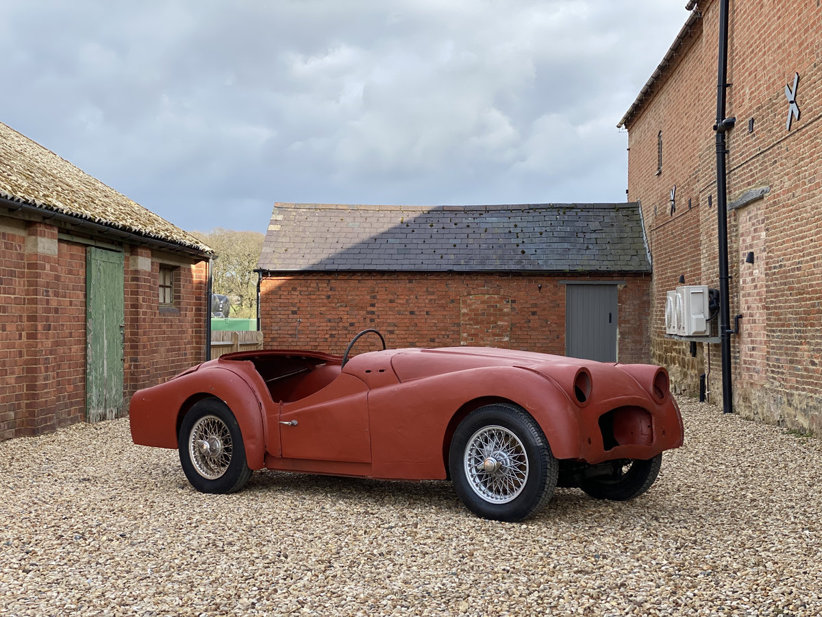 1952 Triumph TR2 Long Door. Part Restored. For Sale (picture 2 of 12)