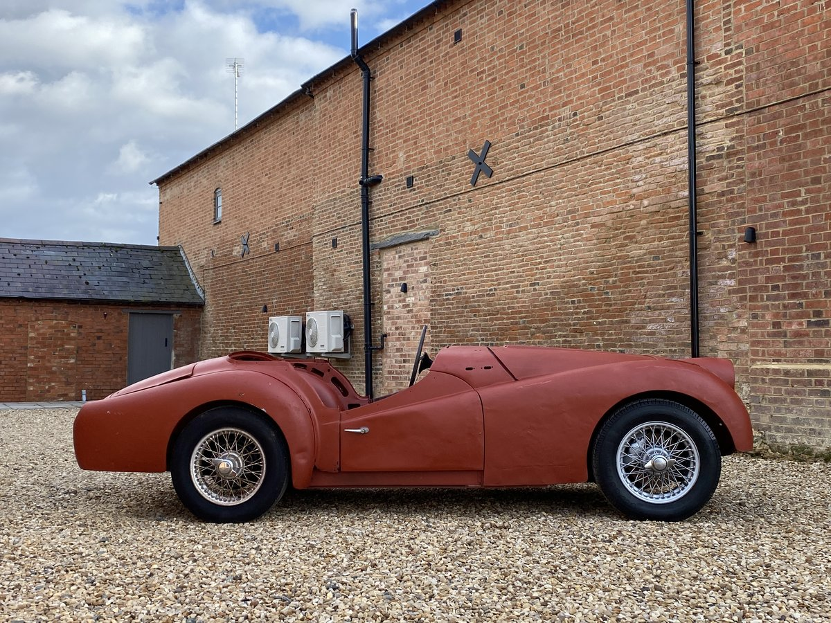 1952 Triumph TR2 Long Door. Part Restored. For Sale (picture 4 of 12)