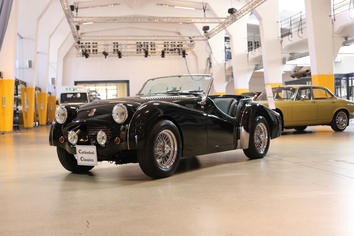 1955 A charming – as good as it gets – fully restored Triumph TR2 For Sale (picture 1 of 12)