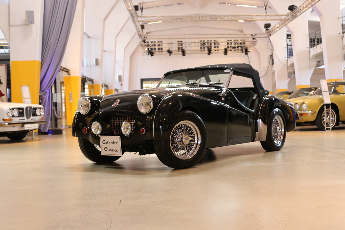 1955 A charming – as good as it gets – fully restored Triumph TR2 For Sale (picture 2 of 12)