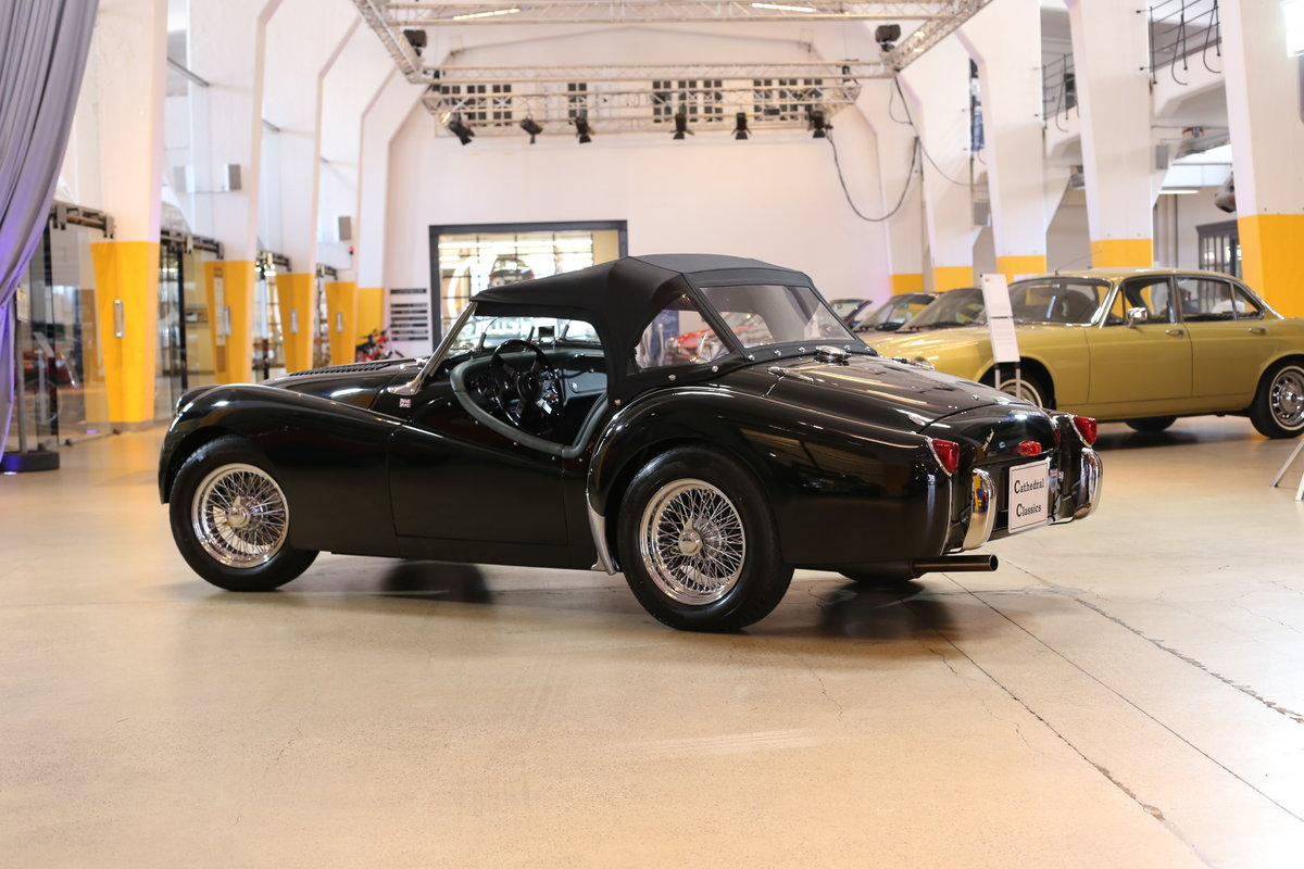 1955 A charming – as good as it gets – fully restored Triumph TR2 For Sale (picture 5 of 12)