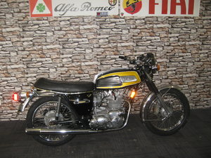 Picture of 1975 N-reg Triumph Trident 750 finished in black and gold For Sale