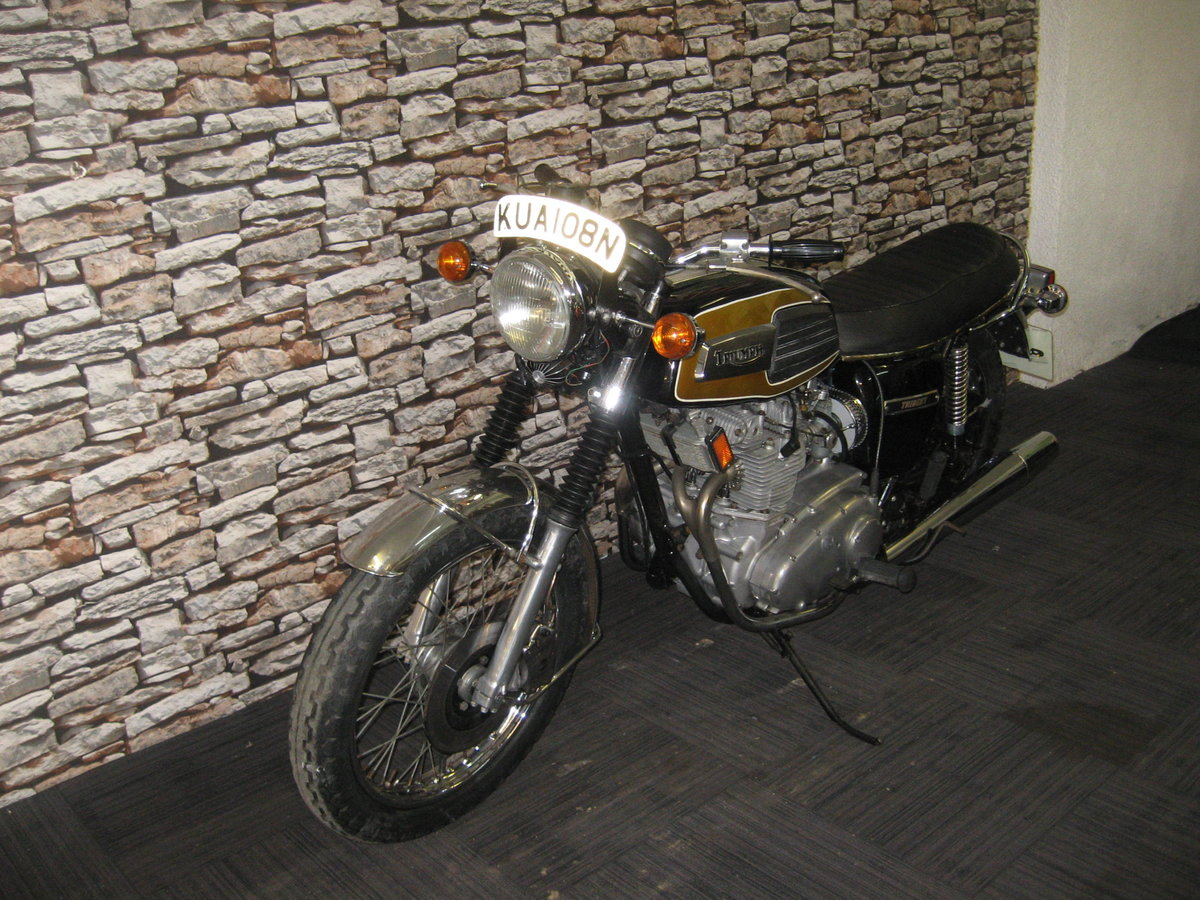 1975 N-reg Triumph Trident 750 finished in black and gold For Sale (picture 3 of 12)