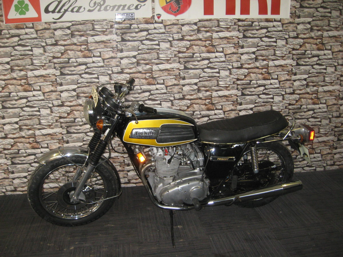 1975 N-reg Triumph Trident 750 finished in black and gold For Sale (picture 4 of 12)