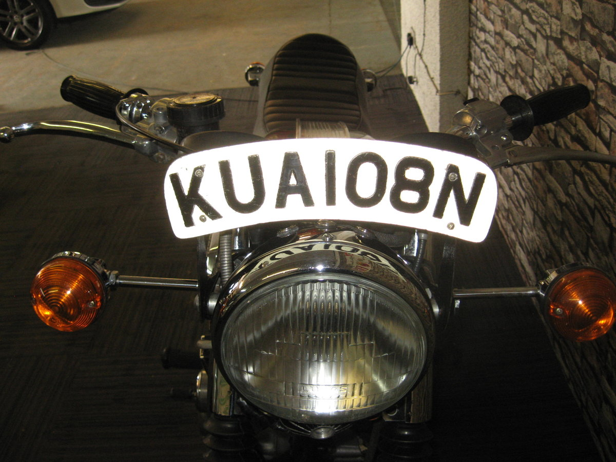 1975 N-reg Triumph Trident 750 finished in black and gold For Sale (picture 7 of 12)