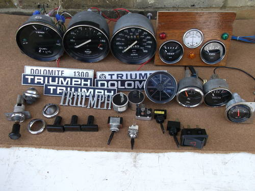 1970 Smiths Dashboard Gauges & Triumph Spares SOLD | Car And